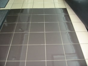 How to maintain a ceramic floor